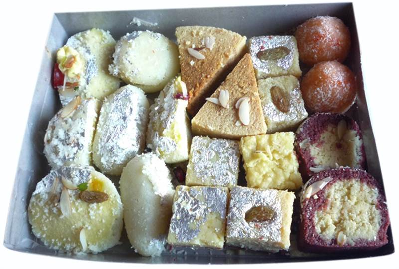 Mix Sweets Box Set (1 Kg) (SWTHTD04)