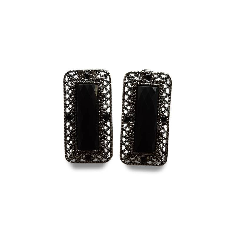 Korean Black Rectangle Stud (S16)
