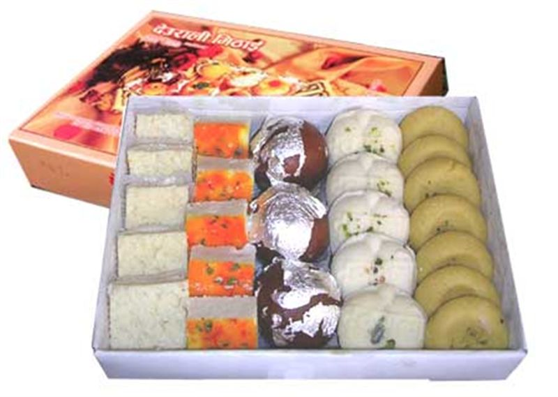 Mixed Sweets Box 6 from Hotel Deurali (SWPKR014)