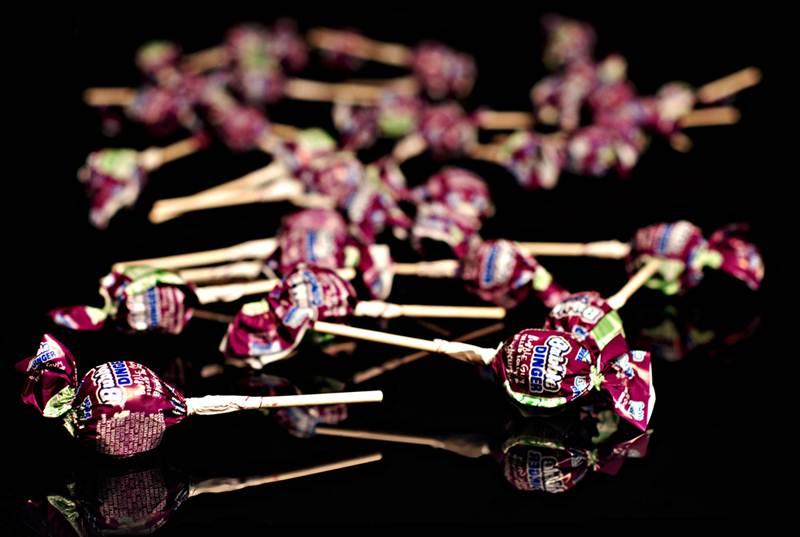 Bubble Dinger Lollipops Blackcurrant Flavour (12 Pcs)
