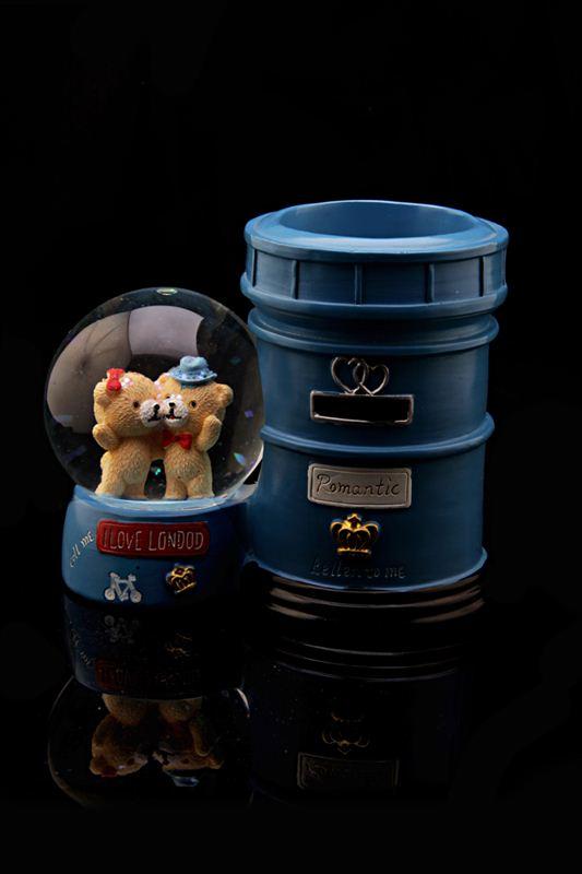 Romatic Mail Box Water Globe Show Piece (21804)