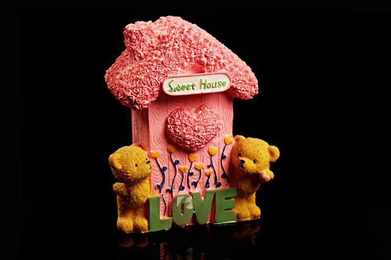 Sweet Bear House Couple Show Piece (20668)