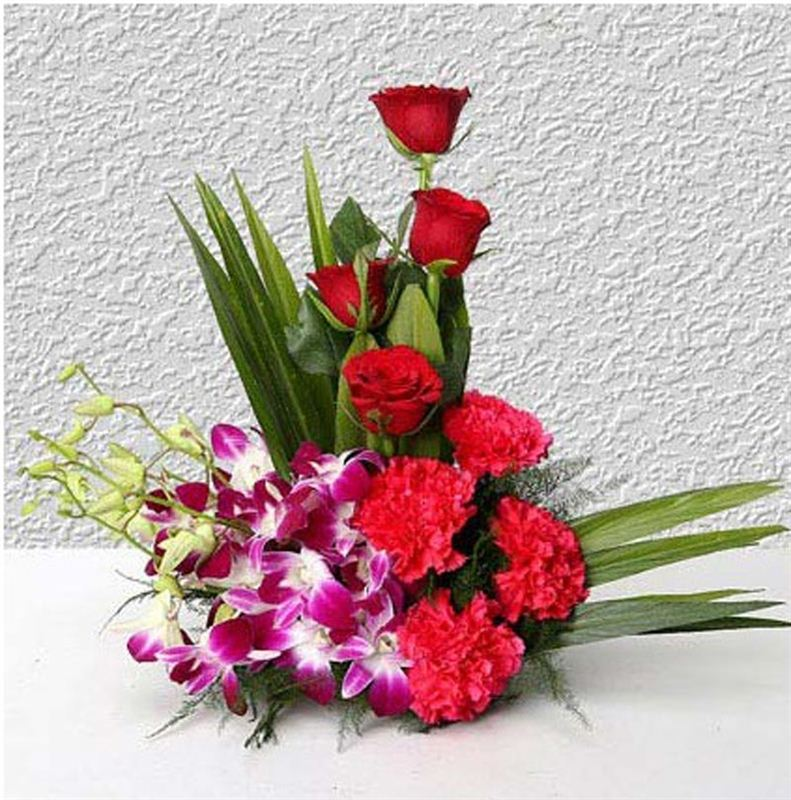 4 Roses, 4 Carnations and 4 Orchids by FNP
