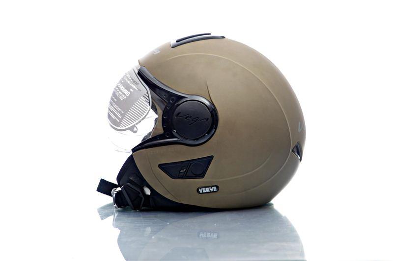 91cc5ddd Steelbird Air Beast Matte Red and White Helmet Sasto Deal Source · Vega  Helmet