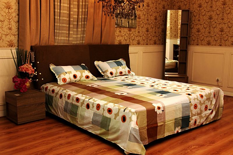 Flower Printed Bed Sheet in Multi Color-King Size