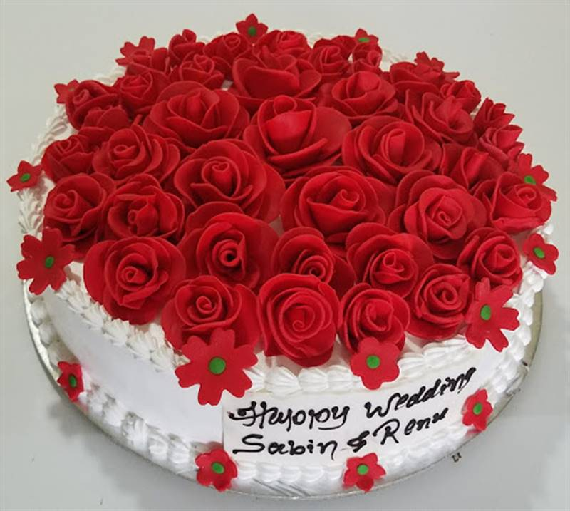 Bride To Be/Red Rose Floral Cake (2 Kg) from Chefs Bakery