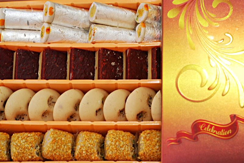 Mix Sweets Box 11 (800g) from Rameshwaram